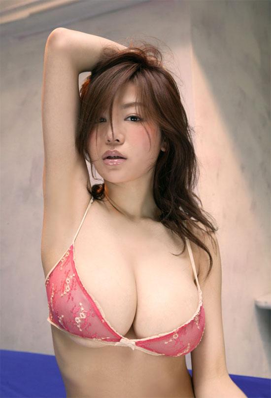 Порно с сиськами 5 размера и японцами